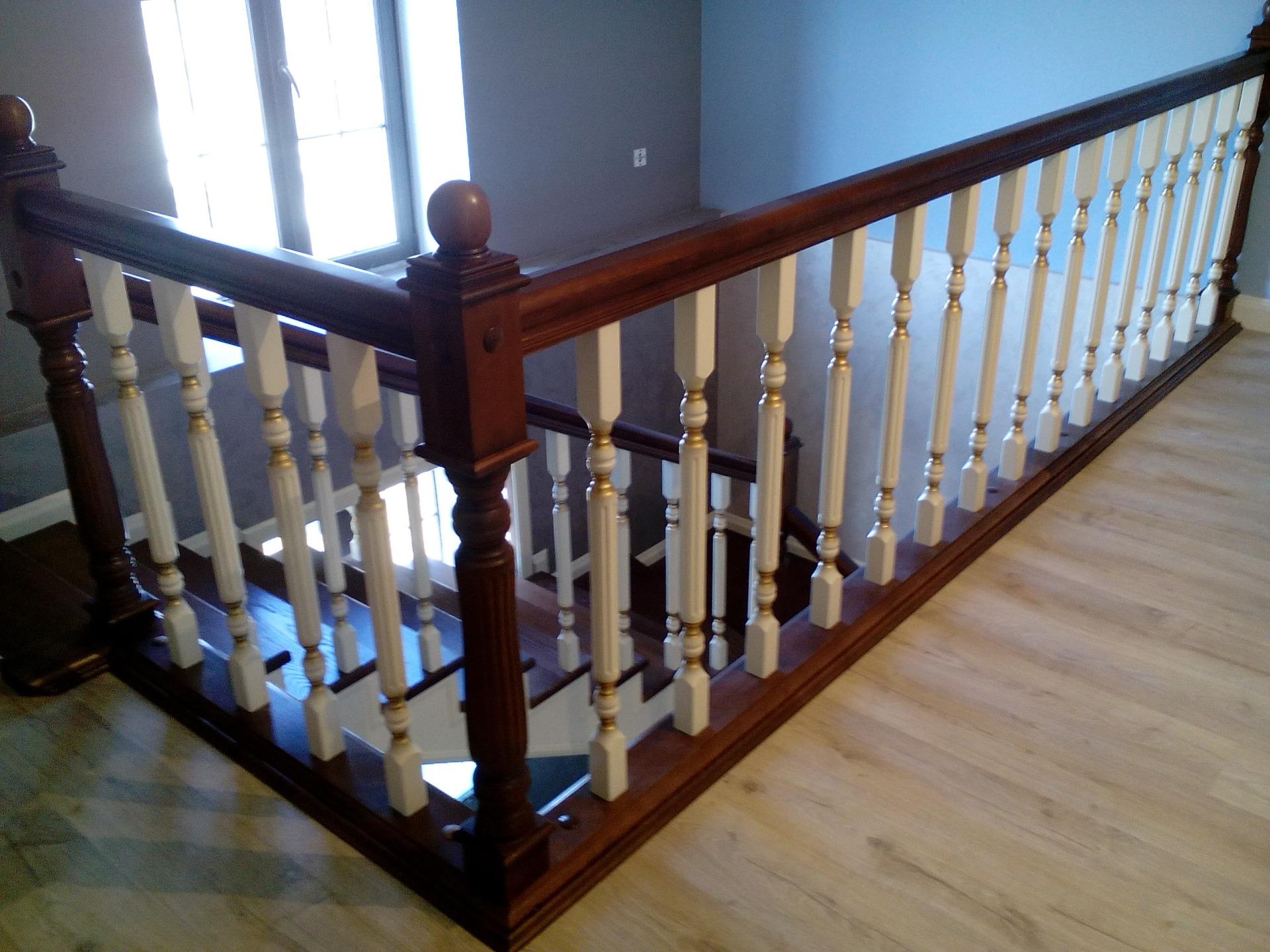 Лестницы для дома на второй этаж из массива дерева - где купить в Краснодаре