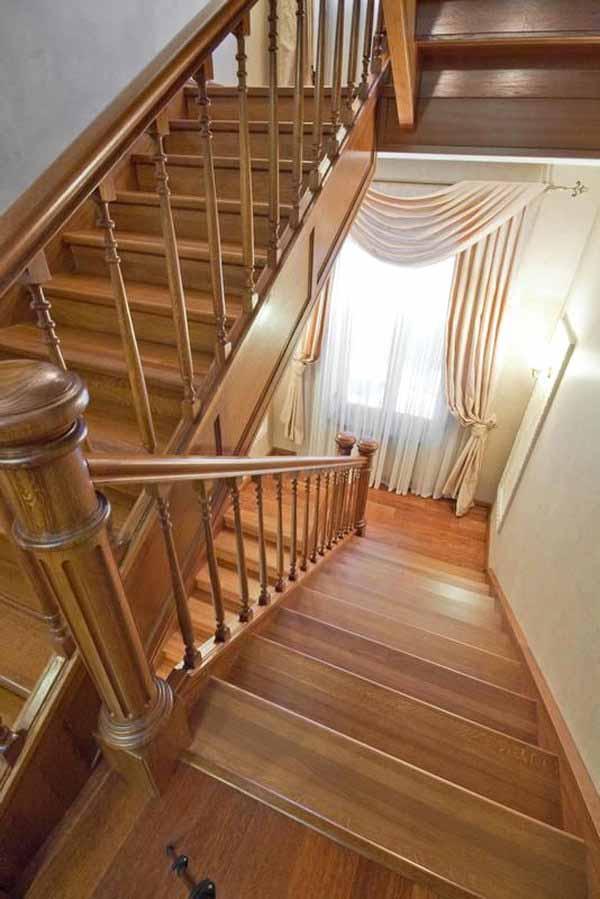 Готовые лестницы для дома на второй этаж из массива дерева - где купить в Краснодаре