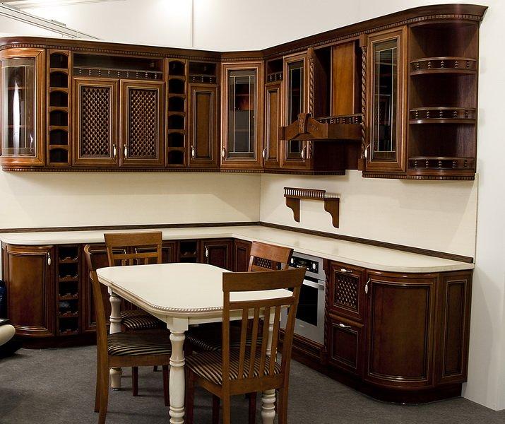 Мебельный цех в Армавире - изготовление кухни в классическом стиле из дерева